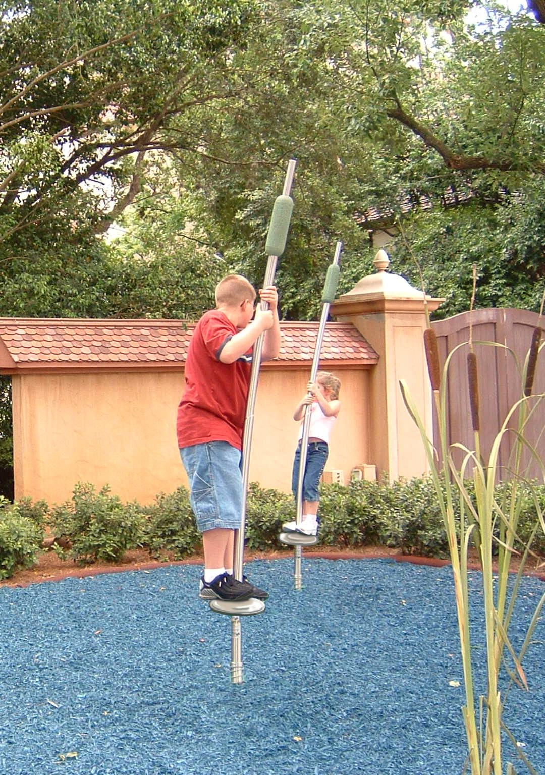 Fun Backyard Ideas turn the backyard into fun and cool play space for kids Fun Backyard Ideas